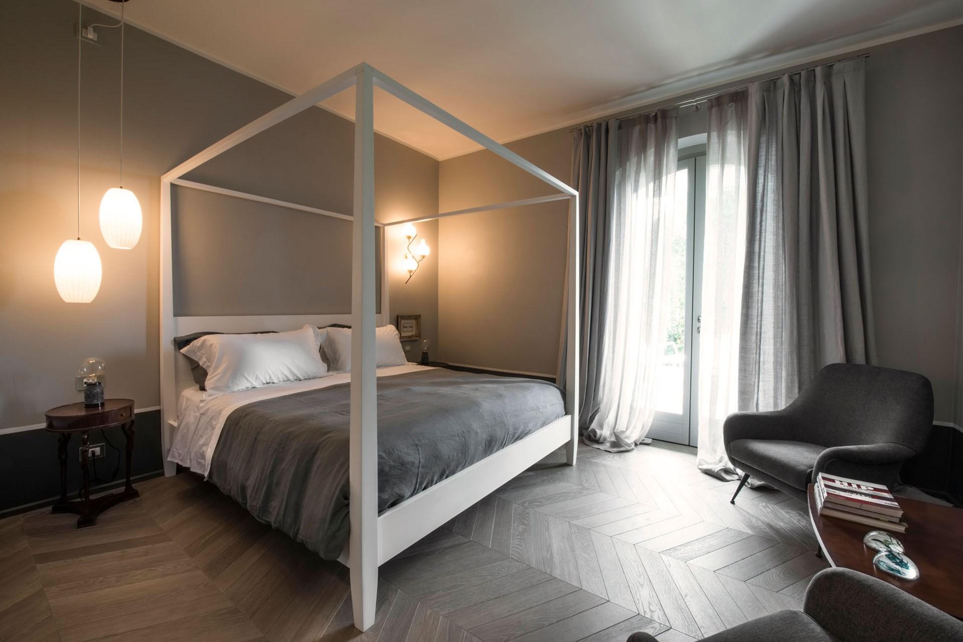 An image of the Levante & Zefiro suite in Villa Gilda.